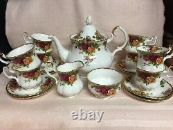 Royal Albert OLD COUNTRY ROSES Teapot Sugar Creamer 8 Demitasse Cup 8 Saucer EUC